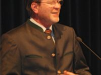 04.10.2012: Staatsminister Dr. Marcel Huber als Referent beim 9. Gesundheitsgipfel